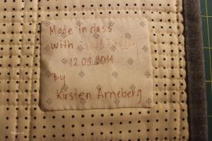 Camille signerte labelen jeg laget til Spools teppet