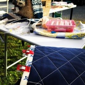 Lørdag 16. var Quilt in Public day og jeg sydde lukkekanter på spisebrikker.